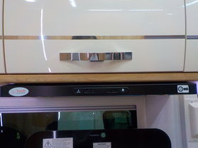 Avan Ovation M8 C Class